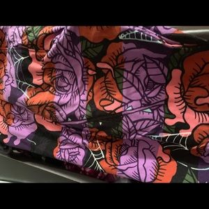 Lularoe tc roses and webs used condition